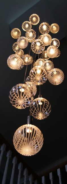 Product: Glass Chandeliers Ontwerper: Contemporary Chandelier Company Herkomst: Shropshire, UK Jaartal: ?