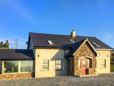 PRICE FROM £468.00 PW SLEEPS 9 BEDROOMS 5 BATHROOMS 3 PET FREE This lovely detached house is near the village of Castlecove and can sleep nine people in five bedrooms.