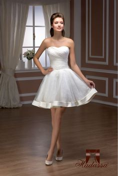 NEW COLLECTION Italy design Short Wedding Dress / Bridal Gown, beaded lace Mini