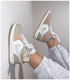 Dr Shoes, Swag Shoes, Cute Nike Shoes, Cute Nikes, Cute Sneakers, Nike Air Shoes, Hype Shoes, Shoes Sneakers, Jordans Sneakers
