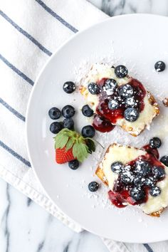 Eats // Grilled Pound Cake with Sweetened Mascarpone and Berries