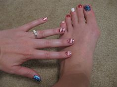 Everyday Ebullience: how to: 4th of July nails! http://sngriffi.blogspot.com/2011/06/how-to-4th-of-july-nails.html
