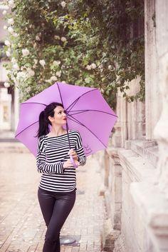 #fashion #blog #mode #fashionblog #striped #pullover #raye #rayures #pink #umbrella #parapluie #rose #black #coated #pants #pantalon #enduit #noir #photo #fashion #photography #photographie #mode #femme #ootd #picoftheday #photodujour