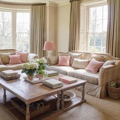 Interior Trends: How To Style Cushions