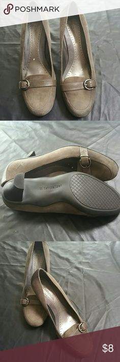 LADIES NATURALIZER Shoes NEVER WORN- no box Size 7 1/2 M   leather upper balance man made materials Naturalizer Shoes Heels