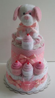 Baby Shower gifts and games Regalo Baby Shower, Baby Shower Crafts, Baby Shower Diapers, Baby Crafts, Shower Gifts, Baby Shower Decorations, Puppy Cupcakes, Diaper Crafts, Rosalie