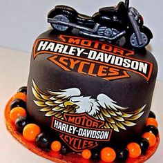 Harley Davidson Cake - This cake was made for a birthday party. Motorcycle Birthday Cakes, Biker Birthday, Motorcycle Cake, 50th Birthday, Torta Harley Davidson, Harley Davidson Birthday, Cakes For Men, Cakes And More, Occasion Cakes