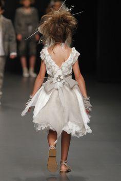 Vestidos de bodas para niñas 2012