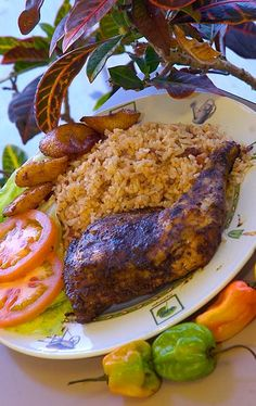 Jerk chicken, red beans & rice and plantains. Carribean Food, Caribbean Recipes, Trinidad Recipes, Trinidad Food, I Love Food, Good Food, Yummy Food, Indian Food Recipes, Healthy Recipes