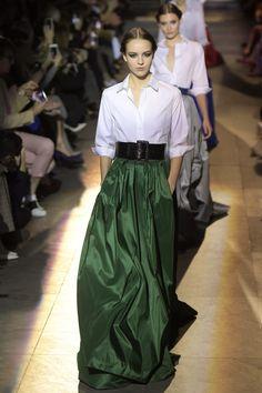 long skirt style · Carolina Herrera New York Fall 2018 Runway Looks Fall  Formal Dresses ded82b24dc61