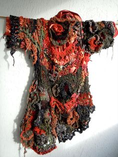 Arty extravagant asymmetric mixed media par MizzieMorawez sur Etsy, €1690.00