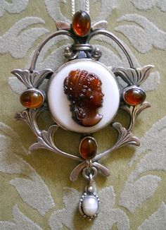 Russia Charitable Russia Soviet Baltic Sea Amber Gold Ship Insect Brooch Jewelry 老琥珀 Art Boat Silver