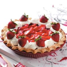 Old-Fashioned Strawberry Pie recipe. I have a special weakness for Strawberry pie. Fruit Recipes, Pie Recipes, Dessert Recipes, Cooking Recipes, Healthy Cooking, Cooking Tips, Strawberry Pie, Strawberry Desserts, Strawberry Shortcake