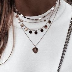 Necklaces | Jewelry | Coins | Gold | Inspo | More on fashionchick.nl