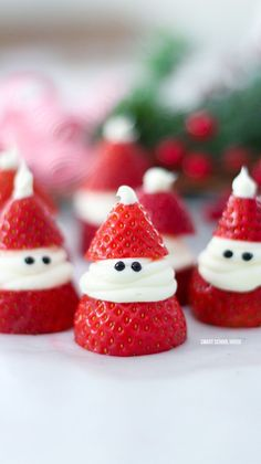 3-ingredient Strawberry Santas for Christmas! ADORABLE Christmas treat idea recipe that is delicious, so easy to make, and great for a Christmas party.