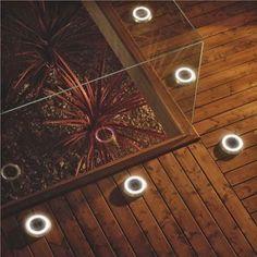 drewniana podłoga na tarasie