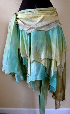 found a few vendors for fae styled clothes if people want inspiration or to order pretty things :)