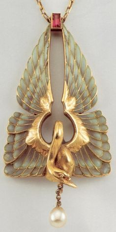"This Philippe Wolfers Pendentif ""Swan"" necklace is lovely, with gorgeous detail."