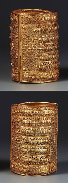 """""""This finely wrought pair of royal wedding cuff bracelets (Gold, century) from Sulawesi show the Islamic jewellery style at its most impressive"""" Ancient Jewelry, Antique Jewelry, Vintage Jewelry, Ethnic Jewelry, Indian Jewelry, Clean Gold Jewelry, Gold Jewellery, Jewlery, Homemade Jewelry Cleaner"""