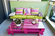 Table peinte en rose