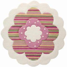 Ce très beau tapis Marguerite rose pâle de la marque Esprit Home apportera de la douceur dans la chambre d'une petite fille. Compagnon de jeux tout doux ilhypoallergénique et adapté au chauffage au sol.