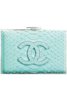 chanel-turquoise-python-clutch♪ღ♪♪♪Rihanna♥✿♪ღ♪♪ღ♪ ♪ღ♪♪ღ♪Fashion Queen♪ღ♪♪ღ♪ ✿♪♪♪╰⊰✿♪♪♪╰⊰✿♪♪♪╰⊰✿♪♪♪╰⊰✿´ ♕♪♫ ♪♫ ♪♫ ♪♕♪♫ ♪♫ ♪♫♕ Pierre Turquoise, Bleu Turquoise, Teal, Turquoise Purse, Chanel Clutch, Chanel Handbags, Chanel Bags, Chanel Wallet, Women's Handbags