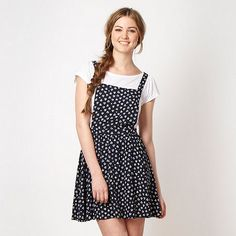 possible betty look?  pinafore look before going crazy