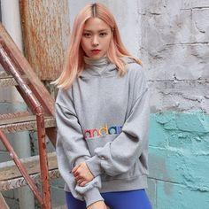 "2019 FW ""Soul Full of Andar"" Collection Chuncheon, Kpop Girl Groups, Korean Girl Groups, Kpop Girls, Cute Cat Memes, Model Face, Cute Asian Girls, South Korean Girls, Role Models"