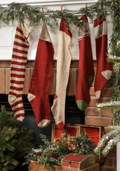 old fashioned christmas stockings Primitive Christmas, Antique Christmas, Noel Christmas, Country Christmas, All Things Christmas, Winter Christmas, Christmas Crafts, Christmas Decorations, Primitive Snowmen