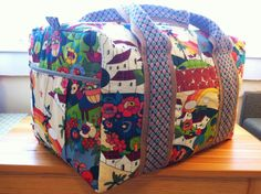 Studio Cherie Duffel from Peace and Plastic Blog Great Travel Bag! #TravelHandmade LOVE everything about this bag. Great work!