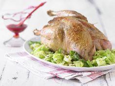 Fasan mit Cranberrysauce und Mandelwirsing Rezept | EAT SMARTER