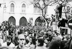 Cerco do Largo do Carmo no dia 25 de Abril de 1974