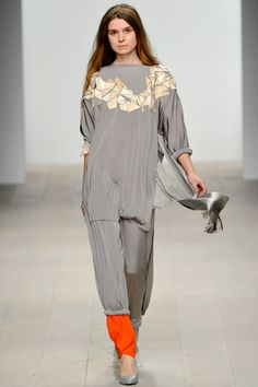 Central Saint Martins Fall 2012 Ready-to-Wear Collection Slideshow on Style.com