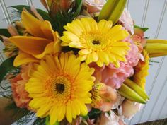 Yellow Bridal bouquet, lilys, Gerbers