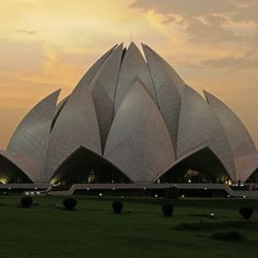 Lotus Temple, India. #SacredGeometry #India #temple #sacredarchitecture #architecture #world #lotustemple #zenlifeterritory