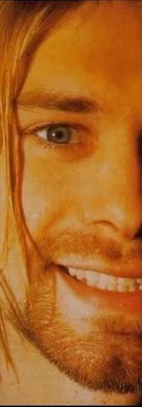 Kurt Cobain. love that smile:)