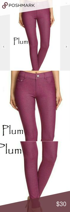 ??JEGGINGS?? These are the perfect colored PLUM JEGGINGS SIZE SMALL, you are sure to be hit with these perfect JEGGINGS. THESE ARE PERFECT FOR EVERY fashionista. These have have the perfect fit, stretch, and are so light weight without being see through, these will keep you trendy and comfortable all year long. You will not only love how look in these but also just how comfortable they are on! TRUE TO SIZE  SKINNY PANT SIZE SMALL (0-4) WAIST 26 HIPS 32 INSEAM 28 RISE 8.5 68% COTTON 27%…
