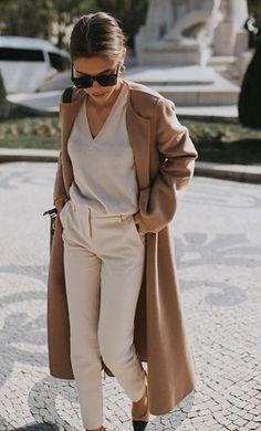 Moda primavera verano 2019: tendencias que ya deberían comprarse y disfrutarse durante mucho tiempo Beige Outfit, Neutral Outfit, Brown Outfit, Neutral Style, Monochrome Outfit, Nude Style, Camel Coat Outfit, Beige Style, Long Coat Outfit