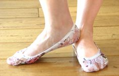super elegant, ultra soft and chic handcrafted lace peep toes socks are perfect for your flat shoes .)