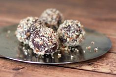 Super Easy and Sinfully Delicious Chocolate Bourbon Truffles