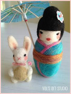 Needle felting blog.   A bunny AND a kokeshi!!! Yeah, I'll be checking this out.