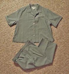 Tommy-Bahama-100-Silk-M-casual-Gray-short-sleeve-solid-button-down-shirt-capri