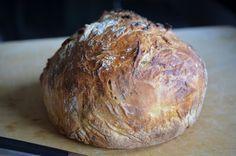 Schnelles Brot - der Teig kann bis zu 1 Woche im Kühlschrank aufbewahrt und immer frisch aufgebacken werden