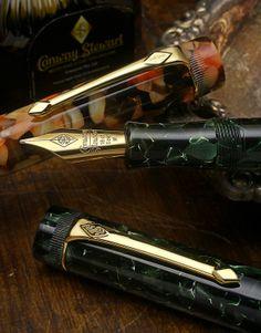 Conway Stewart Classic Green Marlborough Vintage Fountain Pen | Chatterley…