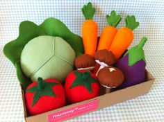 Pretend Play Felt Food Garden Vegetable Box by mummymadeitme #felt #vegetables #kids