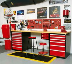 Inspiration for sons desk in bedroom.
