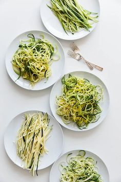 How to Make and Cook Zucchini Noodles - Everything You Need to Know! Cook Zucchini Noodles, How To Cook Zucchini, Zucchini Noodle Recipes, Zucchini Pasta, Vegetable Recipes, Beef Recipes, Whole Food Recipes, Vegetarian Recipes, Cooking Recipes