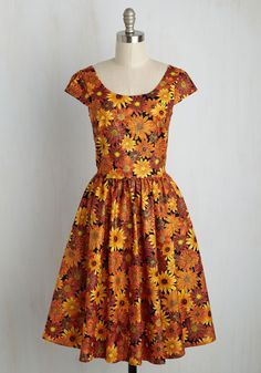 Autumn Leaf Festival Floral Dress. You declare your love for all things autumnal by wearing this floral dress to your towns fall celebration! #orange #modcloth