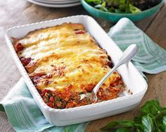 Slimming World spinach, tomato and red pepper cannelloni Spinach Cannelloni, Cannelloni Recipes, Slimming Eats, Slimming World Recipes, Veggie Recipes, Cooking Recipes, Healthy Recipes, Yummy Recipes, Bon Appetit