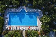 Grand Hotel Trieste & Victoria, hotel 5 stelle lusso ad Abano Terme, dotato di Spa e circondato da parco e piscine termali: prenota sul sito alle migliori tariffe! Trieste, Grand Hotel, Victoria, Spa, Outdoor Decor, Home Decor, Decoration Home, Room Decor, Home Interior Design